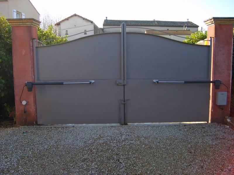 installation de portes et portails automatiques pour particuliers orange aafa. Black Bedroom Furniture Sets. Home Design Ideas